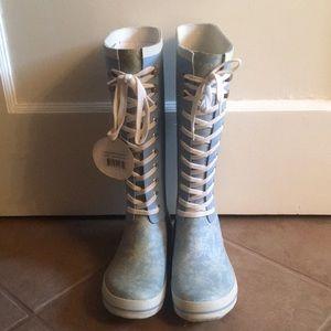 🔻NWT Dav Lace Up Rain Boots